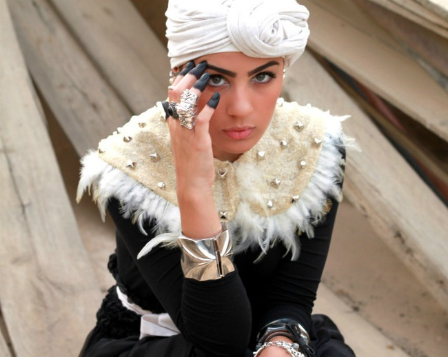 ascia-akf-fashion-style-blogger-in-the-middle-east-photos-hybrid-headpiece