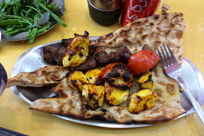 Backpacking_Iran_Essen_Kabab